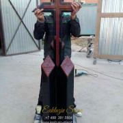 Крест из гранита на кладбище 2020-3