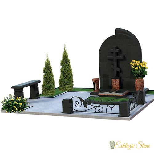 Семейный мемориальный комплекс с крестом