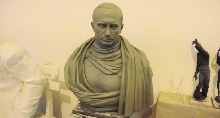 памятник бюст