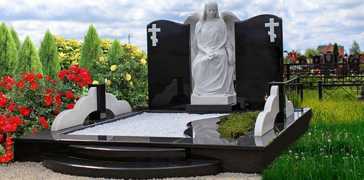 Купить камень на надгробие Ваза. Токовский гранит Котельнич