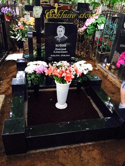установка надгробного памятника на могилу